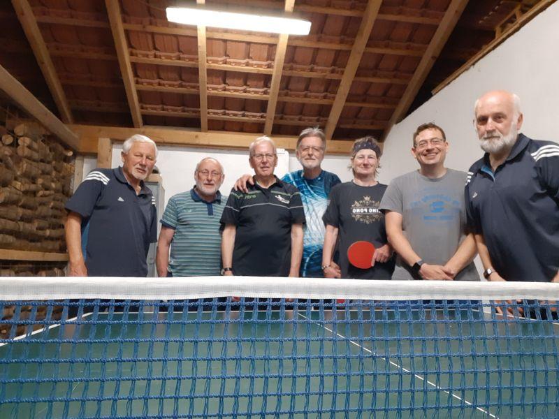 Tischtennisspieler auch in der Pause aktiv